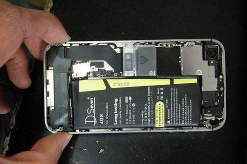 使用第三方电池的iPhone4s