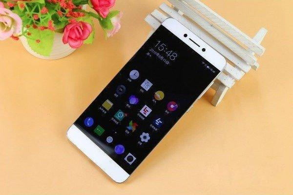 乐视超级手机Max 2