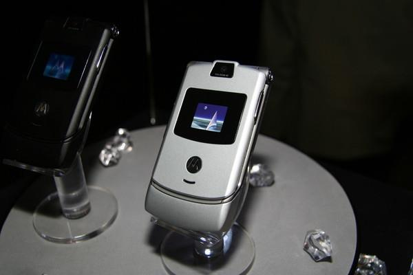 Nokia/夏普/Moto 谁的青春没有这些经典手机