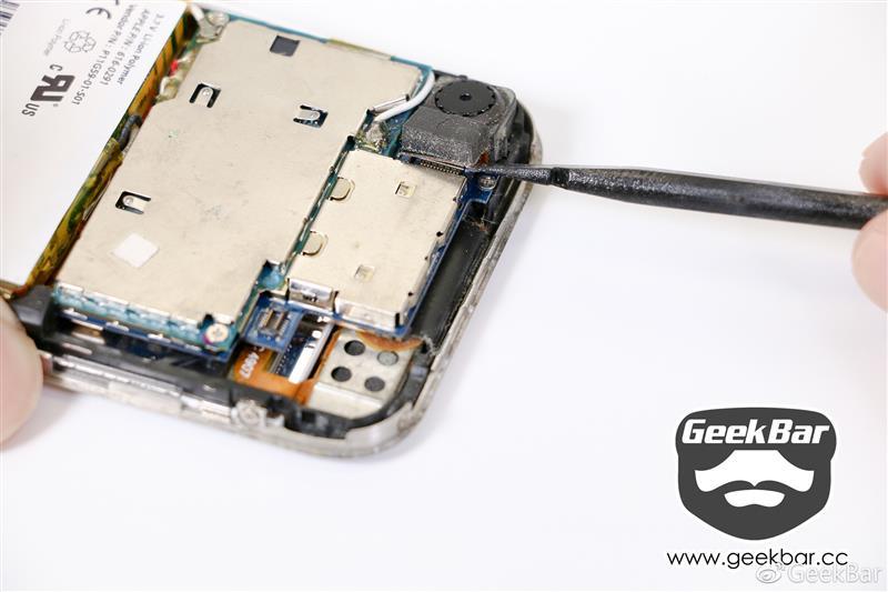 她改变了手机界?初代iPhone拆解报告