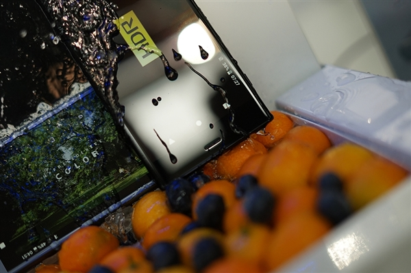 索尼Xperia XZ1图赏:环绕式无缝金属设计