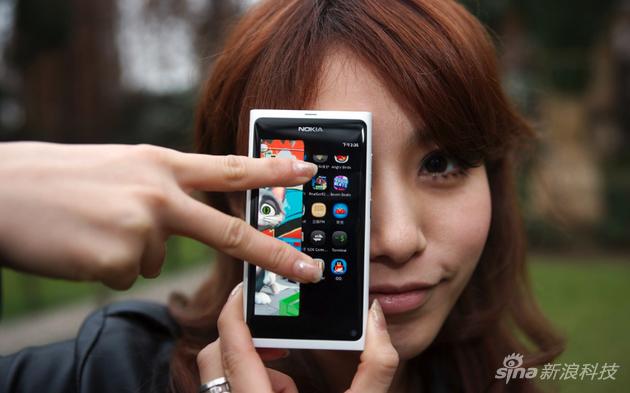 诺基亚N9的设计如今依然讨喜