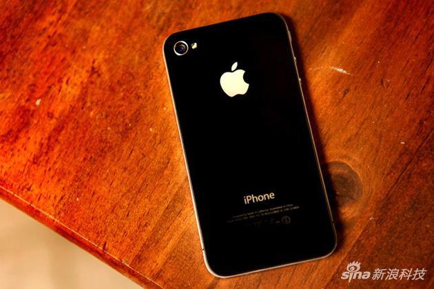 iPhone 4的双面玻璃设计影响了后续智能手机的设计